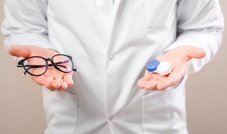 Brillen oder Kontaktlinsen auf Rechnung kaufen
